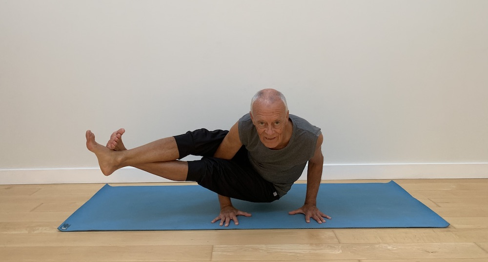 DavyJones yoga hand balance