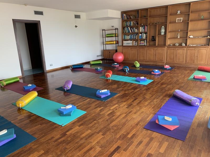 yoga room calabria