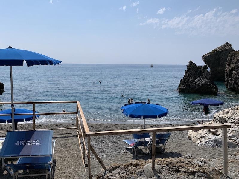calabria beach 800x600